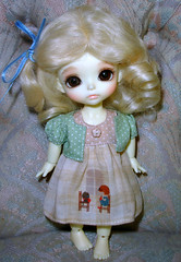 Lettie :) (Ayla160 >^..^<) Tags: brown yellow ball eyes doll sunny curly wig tiny blonde bjd jointed latidoll lati