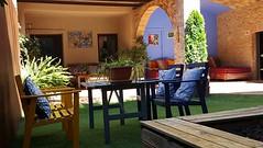 Porcho con una Buena Mesa y un Buen Sofa (brujulea) Tags: brujulea casas rurales con spa ordis gerona girona cal sabater porcho una buena mesa buen sofa