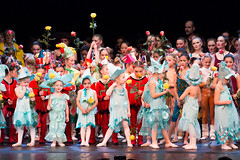 121 Schlussszene - Spectacolo - Secret Dreams -CLP-SD-836 (Spectacolo1) Tags: ballet dance olten tanztheater theater performingarts spectacolo academy passion tanz moderndance