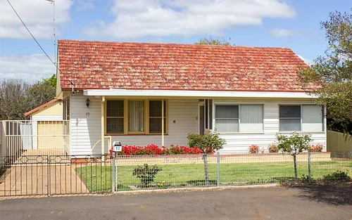 17 Hutchins Ave, Dubbo NSW 2830