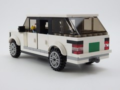 Range Rover SVAutobiography - Rear 3/4ths View (wooootles) Tags: svautobiography landrover rangerover legomoc lego moc suv legosuv ultraluxury