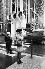 Rainy day (damsol71) Tags: paris centregeorgespompidou beaubourg car femme women girl kodaktrix400 kodak minoltax500 argentique analog nb noiretblanc bw blackandwhithe rainyday rainy