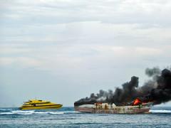 Mari Bakar Kapalmu, Kawan (BxHxTxCx (using album)) Tags: ship kapal kapallaut terbakar fire