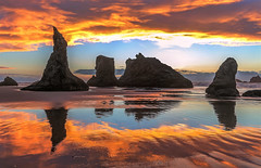 Bandon Autumn Sunset (Cole Chase Photography) Tags: brandonbythesea oregon seastacks pacificocean sunset autumn fall beach bandon canon eos5dmarkiii pacificnorthwest