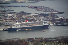Queen Mary 2 in New York (Christoffer Andersen) Tags: cunard qm2 queenmary2 carnivalgroup oceanliner passengerships newyork brooklyn freedomtower