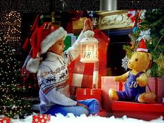 Christmas Calendar (swetlanahasenjäger) Tags: adventzeit weinnachtskalender calendar christmas mädchenweihnachtslicht teddybär freude festlichestimmung saariysqualitypictures thebestofmimamorsgroups onlythebestofflickr topshots theoriginalgoldseal