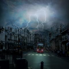 Stormy night (jaci XIII) Tags: street city cidade storm bus car night tormenta carro noite rua lightning onibus relmpago tempestade raio