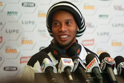 Entrevista Ronaldinho - 17/12/2013 - Marrakech