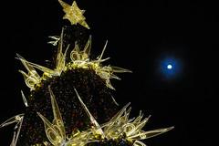 Christmas Tree 2013 @ Raffles City(SG) and the moon (Rickloh) Tags: christmas xmas decorations moon tree singapore rick samsung christmastree sg nx mirrorless nx11 rickloh