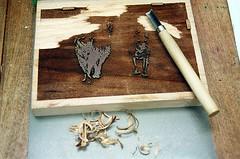 Tweaking the Burnt Sienna Block (jjldickinson) Tags: olympusom1 fujicolorpro400 roll457o2 promastermcautozoommacro2870mmf2842 promasterspectrum772mmuv wrigley print printmaking mokuhanga card card2013 palosverdes palosverdespeninsula ranchopalosverdes beach ocean dog jamie sophie foam water laserengraving cherry wood woodblock carving knife niji yasutomocompany tool longbeach