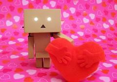 Danbo loves you! (partymonstrrrr) Tags: ikea hearts toy toys robot hug heart box mini valentine cardboard figure valentinesday yotsuba danbo revoltech danboard