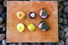 01750004-84 (jjldickinson) Tags: wood food dessert japanese longbeach mochi wrigley olympusom1 confectionery manju cuttingboard fujicolorsuperiaxtra400 fugetsudo promastermcautozoommacro2870mmf2842 promasterspectrum772mmuv roll495o2