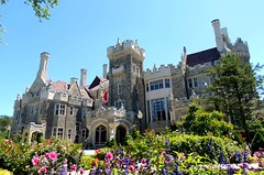 "Toronto's Grand Castle .... ""Casa Loma"" .... Toronto, Ontario, Canada (Greg's Southern Ontario (catching Up Slowly)) Tags: nikon mansion castle casaloma ejlennox gothicrevival architecture sirhenrypellatt toronto canadianarchitecture wow"