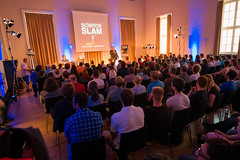 "Der Science Slam beginnt • <a style=""font-size:0.8em;"" href=""http://www.flickr.com/photos/125048265@N03/14588458874/"" target=""_blank"">View on Flickr</a>"