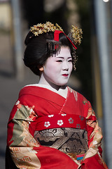 Geisha, Gion, Kyoto  (gringerberg) Tags: geisha asia asie nepasmanquer voirabsolument canoneos6d canon frenchphotographer femme gringerberg gringerbergphotography gion   canon70200mnf4usml japan japon nippon paysdusoleillevant thelandoftherisingsun travel picoftheday
