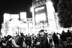 shibuya_161014_R0011812 (jamro_jamro) Tags: shibuya night street candid tokyo grdiii grdigital monochrome bw blackandwhite noiretblanc