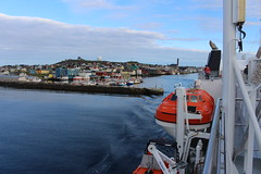 The MS Spitsbergen Leaves Vardø Harbour (2) (Phil Masters) Tags: 19thjuly july2016 norwayholiday norway vardo vardø vardøchurch vardochurch globus globusii globusradar globusiiradar globusradome globusiiradome radome radar vardøharbour vardoharbour shipsandboats hurtigruten msspitsbergen