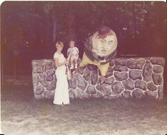 humpty dumpty (timp37) Tags: statue me mom 1970s 70s film photograph humpty dumpty fell off wall egg