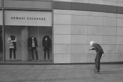 Sk8er Boi (the underlord) Tags: voigtlanderbessa cosinavoigtlanderbessar2 rangefinder colorskopar35mmf25 streetportrait eastman5222 kodakxx kodakdoublex eastmandoublex film filmphotography liverpool inlineskates sk8erboi streetphotography 79yearsold geoffdornan