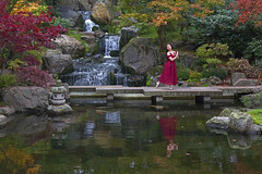 Ballando da sola / Dancing on my own (Kyoto Gardens, Holland Park, London, United Kingdom) (AndreaPucci) Tags: holland park kyotogardens london uk autumn japanese ballerina dancer girl andreapucci canoneos60