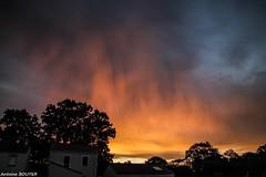 La journe commence avec des couleurs sympathiques (antoinebouyer) Tags: orange temps mto matin ciel cloud nuage sky