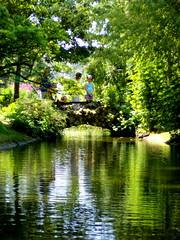 Jardin des Plantes, canal (ChevillonW) Tags: reflection mirror bretagne reflet loire reflexion nantes atlantique loireatlantique 2013