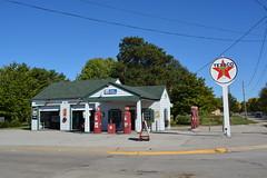 Texaco, Dwight Illinois. (EYBusman) Tags: station fire illinois chief garage gas service petrol preserved gasoline texaco dwight filling eybusman