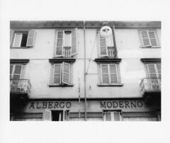 Albergo Moderno // via S. Pellico - Torino (endinewton) Tags: turin sansalvario viasilviopellico albergomoderno