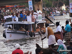Actor Suresh Gopi @ Race Cource (Rajesh Kalapura) Tags: india boat town no kerala noel southindia kottayam kumarakom boatrace snakeboatrace vallamkali chundanvallam karapuzha veppu thazhathangadi champakkulam chundanvallom karichal jesusboatclub kumarakomtownboatclub iruttukuthi rajeshkalapura vellamkulangara sreekarthikeyan jawaharthayankari dayino1 thuruthithara 3thaikkan ajiben anilkalapura stfrancisboatclub villageboatclub clubvellamkulangarakarichalsree karthikeyanjawahar thayankarichampakkulamdayi 1thuruthithara3thaikkanaji bennoelanil kalapuravallam kalichundan vallamsouth