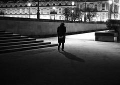 Nocturne (Bernard Chevalier) Tags: city paris geometric silhouette night solitude noir perspective chapeau passage rue nuit géométrie emptiness marche ville homme tristesse mouvement nostalgie trottoir vide monumental passant urbain décor dehors classique élégance géométrique