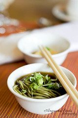 Japanese cold noodle (AngsanaSeeds) Tags: wood green asian photography japanese hotel placemat photograph chopsticks soysauce springonions foodart foodphotography coldnoodle restaurantdecor angsanaseeds foodstyling coldsoba ivyho