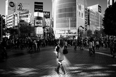 Prima Ballerina (k*nono) Tags: life city urban blackandwhite bw woman macro ex girl monochrome japan landscape tokyo dc ballerina asia crossing place pentax walk famous capital snapshot shibuya sightseeing sigma spot tourist daily spotlight resort east event  nippon  prima  dslr bandw bw  f28 nihon kanto  scramble 1850  k7      1850mm