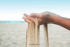 Gandia (Anita Vela) Tags: sea mar playa manos arena gandia nikond5000 wwwanitavelacom 2014anitavelaphotography