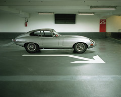 Encounter of the E type (Philippe Yong) Tags: 120 mamiya analog mediumformat fuji parking rangefinder analogue 6x7 80mm jaguaretype mamiya7ii moyenformat pro400h 7ii philippeyong wwwpyphotographyfr