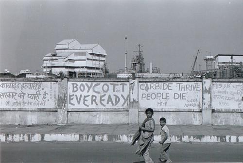 Protest Graffiti on Union Carbide Rd.