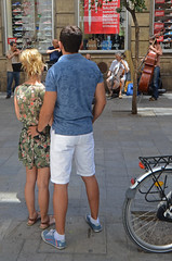 DSC_5194 copia (Cazador de imágenes) Tags: madrid street summer españa woman girl female donna mujer spain nikon chica candid streetphotography verano streetphoto espagne spanien spagna spanje ragazza spania 2014 西班牙 spange d7000