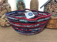 "Small Classic Tote Basket #1000 • <a style=""font-size:0.8em;"" href=""http://www.flickr.com/photos/54958436@N05/29627639483/"" target=""_blank"">View on Flickr</a>"