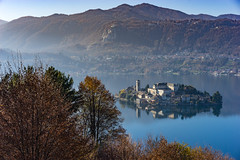 Autumn in Orta Lake (Edoardo Angelucci) Tags: orta lake sacro monte reflections edoardo angelucci autumn autunno november photography piedmont ilce7m2 fe70200f4