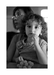 Portrait (OMM.photographie) Tags: noiretblanc nb noirblanc bw blackandwhite blackwhite monochrome intrieur inside canon canon5d canon5dmarkiv 5d eos people portrait portraiture