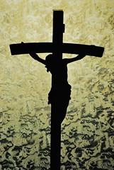 ber meiner Tr - Above my door (FrauN.ausD.) Tags: kreuz kruzifix materl bildstock sakral kirche religion religious church cruz silhouette schatten indoor flickrfriday