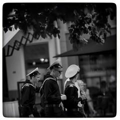 Anglų lietuvių žodynas. Žodis sailors reiškia buriuotojai lietuviškai.