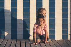 I & I (G. Goitia) Tags: hermanos brothers amor love nios sol sun ocaso atardecer tarde verano summer juego diversin divertido fun sombra shadow color airelibre compo composicin encuadre frame framing luz light sinflash