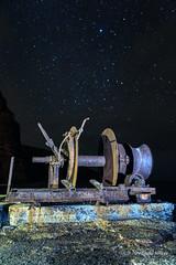 Forgotten (Alfre2 Amaya) Tags: lagomera largaexposicin longexposure night noche nocturna estrellas stars starrynight machinery mecanismo