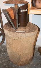 Panal y ahumador (Frontera hispano-portuguesa (FRONTESPO)) Tags: frontespo etnografa museo etnogrfico salamanca puerto seguro apicultura abejas miel