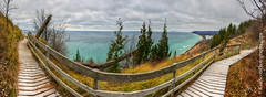 Lake Michigan ... boardwalk dusting (Ken Scott) Tags: empirebluff vista boardwalk trail manitouisland sleepingbeardune panorama leelanau michigan usa 2016 december fall autumn 45thparallel fhdr kenscott kenscottphotography kenscottphotographycom freshwater greatlakes lakemichigan sbdnl sleepingbeardunenationallakeshore voted mostbeautifulplaceinamerica