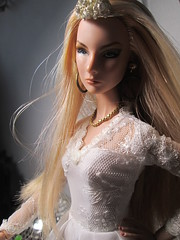 Fashion Royalty  Giselle Diefendorf Doll old is New brides (suellenmuniz) Tags: fashion royalty giselle diefendorf doll old is new the brides dracula