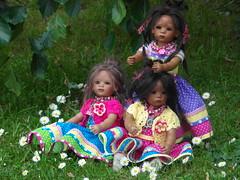 Auf der Gänseblümchenwiese ... (Kindergartenkinder) Tags: reki dolls sommer annette 2013 himstedt kindergartenkinder leleti doppelleleti