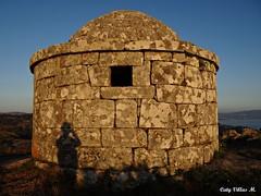 O Facho, Pontevedra (Caty V. mazarias antoranz) Tags: espaa spain galicia cielos atardeceres pontevedra evenings anocheceres islasces porlanoche porlatarde ofacho