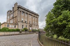 The Royal Crescent @Bath (Carlo Saltalamacchia) Tags: buildings crescent carlosaltalamacchiathedigitalviewbathenglandroyal