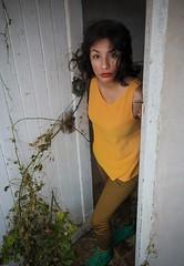 Murmullo de silencios (Mario Seplveda) Tags: door woman cute sexy beautiful mujer model puerta retrato mario modelo linda bonita ely bella veracruz portrair coatza coatzacoalcos seplveda marioseplvedamodeloely